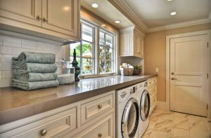 Classic-Laundry-Room-cabinets